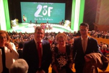 El isleño Manuel Carrasco recibe la Medalla de Andalucía
