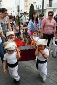 los-pequeños-ha-protagonizado-las-procesiones-de-esta-mañana-en-Isla-Cristina