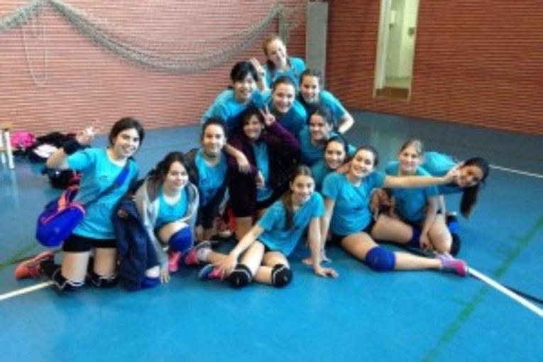 Las Infantiles del Voleibol Isla Cristina Vic  Jugaran la final Zonal