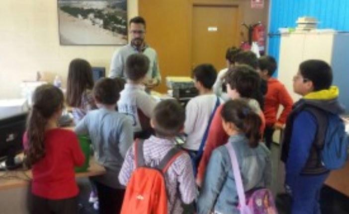 """Los Alumnos del Programa Profundiza del C.E.I.P. """"Sebastián Urbano"""" Visitan el Archivo Municipal"""