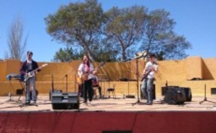 Exitosa fiesta de la primavera dedicada al colectivo juvenil en Isla Cristina