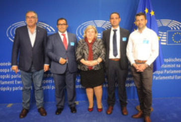 Representantes de la Mesa de la Pesca isleños, presentes en la feria European Seafood Exposition de Bruselas