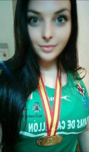 La Atleta Isleña Estela Cazorla «Oro en Peso, Mínima Europea y Campeona Nacional Junior de Clubes