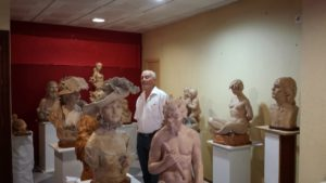 El escultor Gregorio Bermejo expone desde este lunes con Aramburu y Coronel en Fundación Caja Rural del Sur