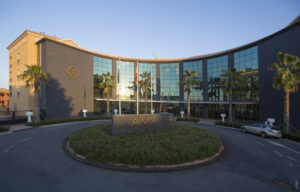 El Hotel AMA Islantilla dona enseres y mobiliario tras la reforma a distintas asociaciones y entidades