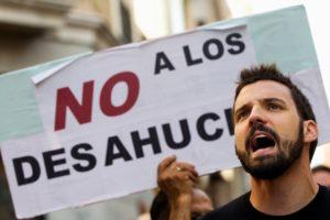 Desahuciarán en Isla Cristina a una mujer maltratada porque debe cinco meses de alquiler