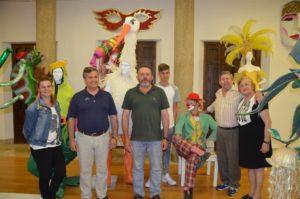 El carnavalero Juan José Jabares dona un nuevo disfraz al Museo del Carnaval