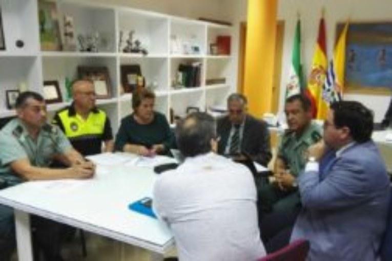 Reunión de seguridad de cara a los próximos eventos a celebrar en Isla Cristina