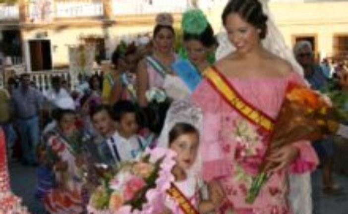 Cientos de pozocamineros participan en la tradicional ofrenda de  flores a la Patrona de Pozo del Camino