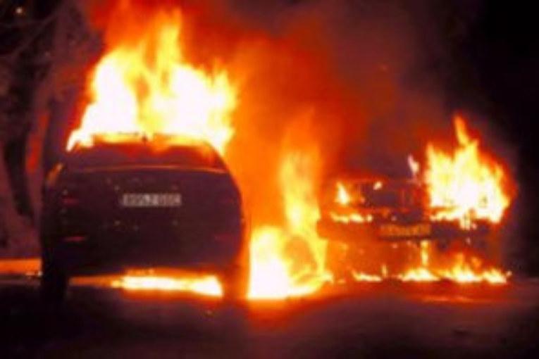 ldentificado el autor de la quema de dos vehículos en Isla Cristina