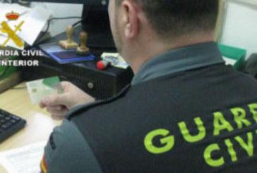 Detenido por robar la tarjeta de crédito a una compañera de piso en Isla Cristina