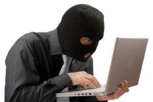 Condenan a un residente en Isla Cristina por estafa en una venta online