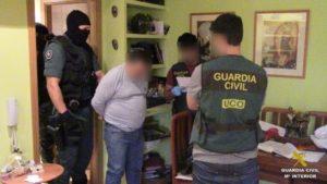 Detienen a nueve personas por prostituir a menores de edad que captaban en Huelva