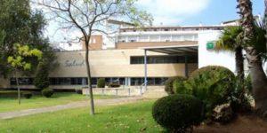 Unas molestias de estómago terminan dando a luz en el centro de salud de Isla Cristina