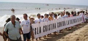 Una cadena humana en Isla Cristina contra la Violencia de Género