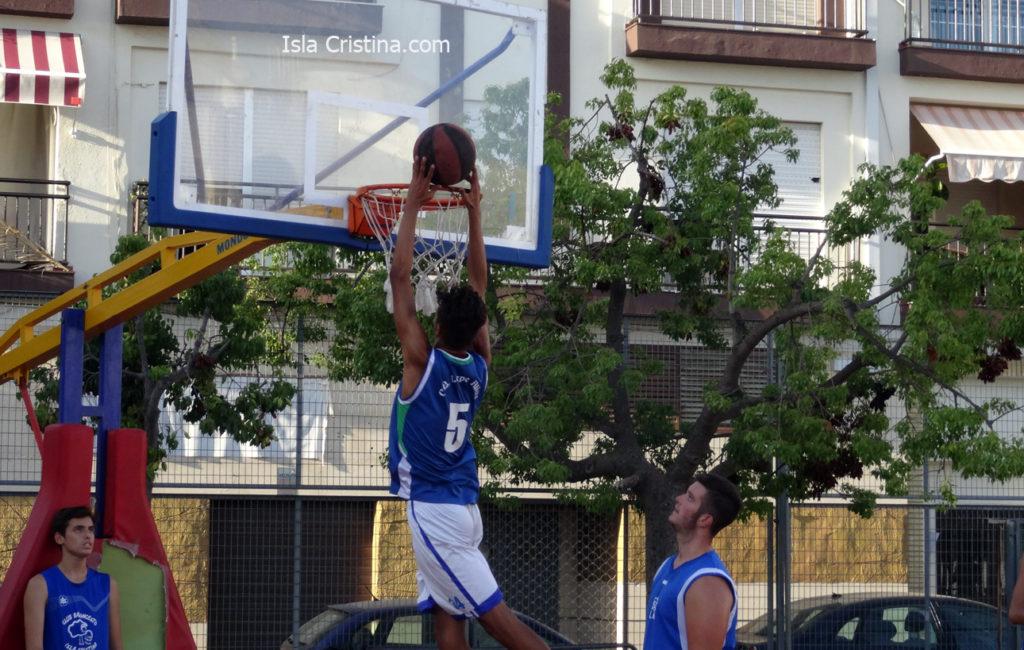 Isla Cristina acoge desde este martes los cuartos de final del Torneo de Baloncesto.