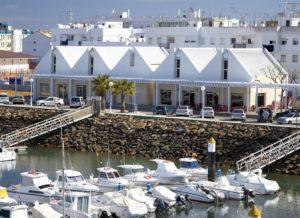 El  puerto deportivo de Isla Cristina recibe la bandera azul en reconocimiento a su calidad ambiental