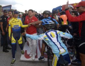 El comportamiento de los espectadores en las carreras ciclistas.