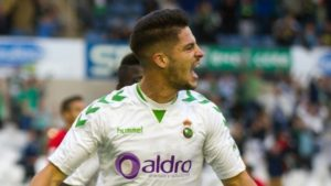 Un gol del delantero isleño Caye Quintana da la victoria al Racing de Santander