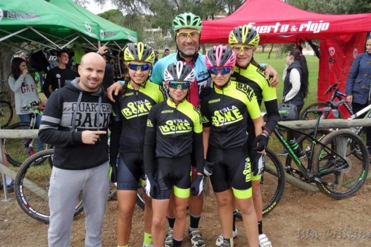 El Club Fuerte y Flojo de Isla Cristina (Islabike) finaliza el circuito provincial a lo Campeón