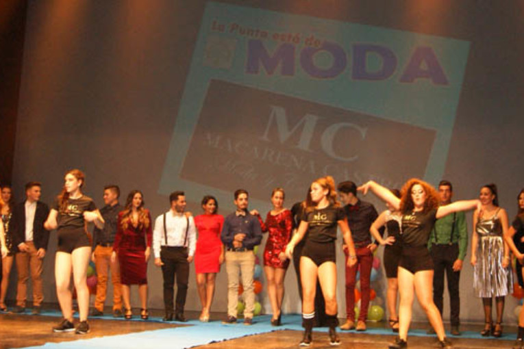 Celebrada en Isla Cristina la II Gala 'La Punta está de Moda'