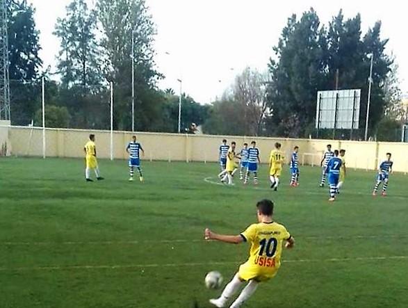 El juvenil del Isla Cristina hizo bien los deberes y superó al Atletic Onubense