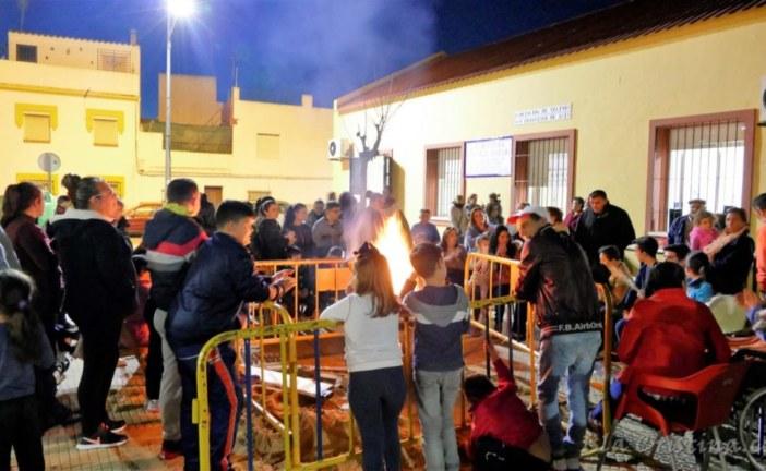 Zambomba con fiesta gitana en Isla Cristina para recibir la Navidad 2016