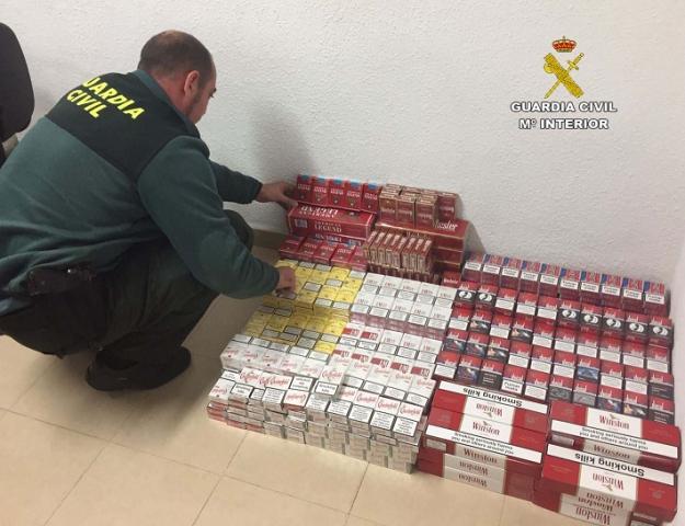 Intervienen en Isla Cristina casi 1.000 cajetillas de tabaco ilegal