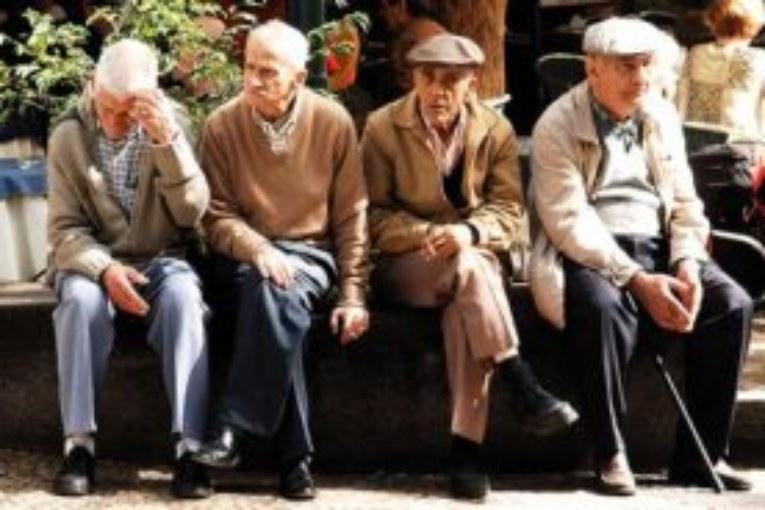 La hucha de las pensiones cuesta abajo y sin freno