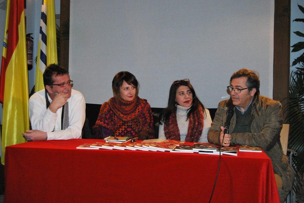 María Luisa Domínguez y Mar Domínguez dan lectura a sus poemas en Isla Cristina