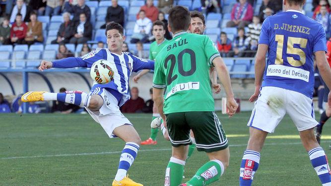 Muy buen debut del delantero isleño Caye Quintana con el Recreativo de Huelva