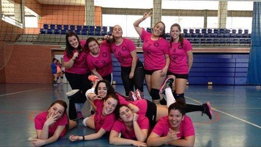 Al Voleibol Isla Cristina sénior se le escapó por muy poco el partido frente al Punta Umbría