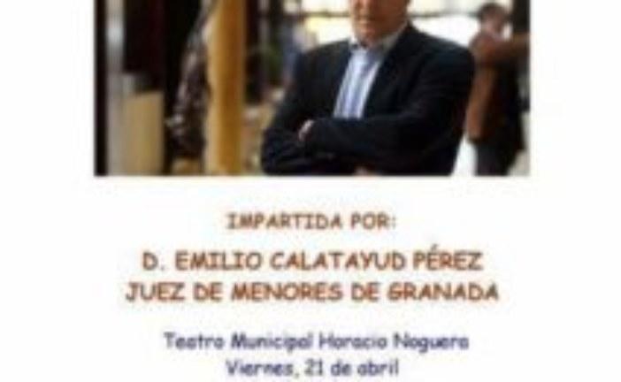 El Juez de Menores, Emilio Calatayud imparte una conferencia en Isla Cristina