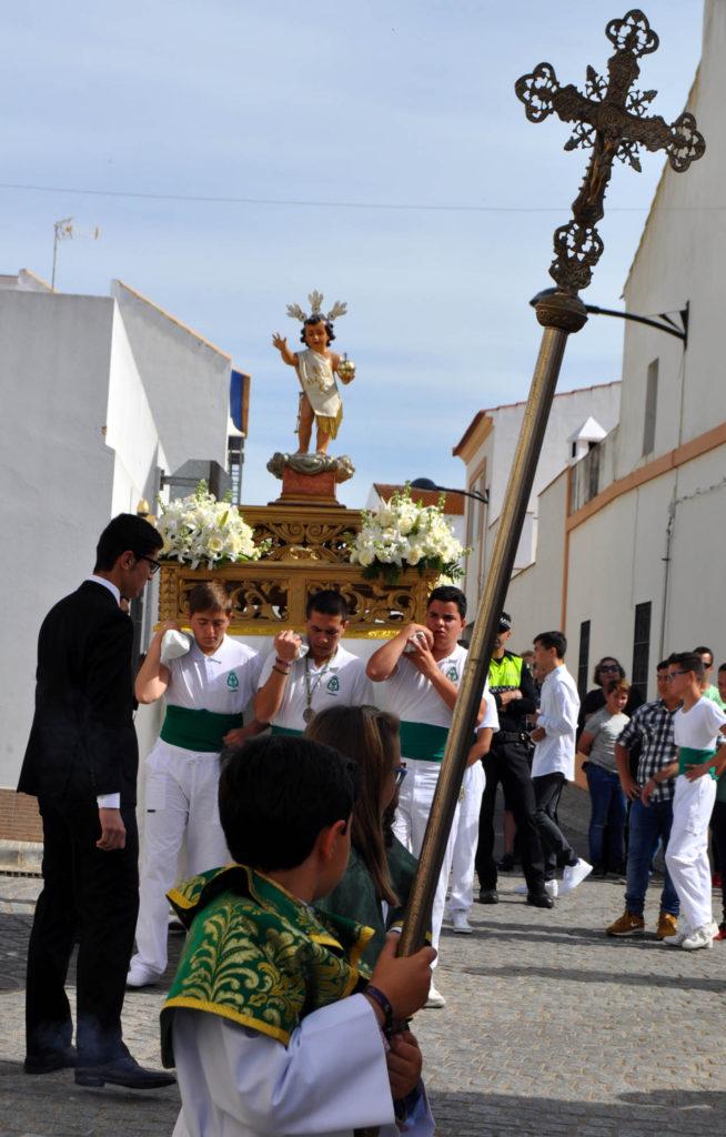Las calles de la Redondela se llenan de gente para disfrutar de la Fiesta del Huerto