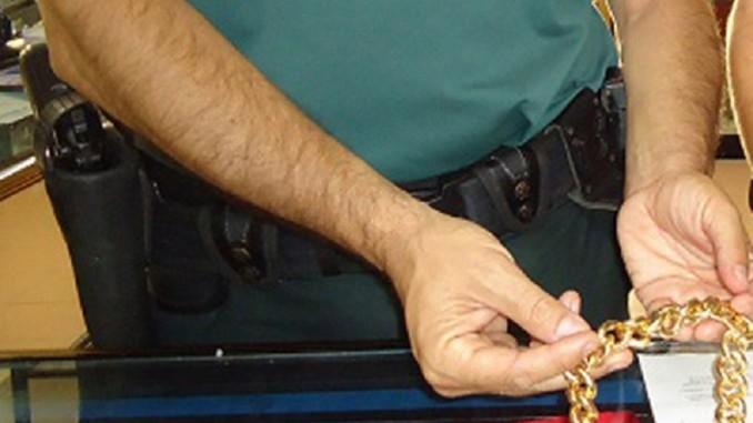 Investigan a un albañil por el hurto de joyas en Isla Cristina