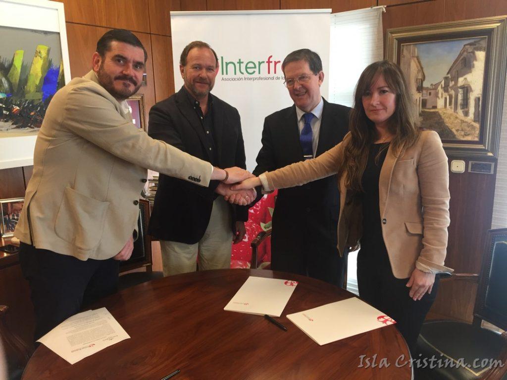 Interfresa acuerda con los Paradores de Ayamonte y Mazagón la promoción de fresas a sus clientes
