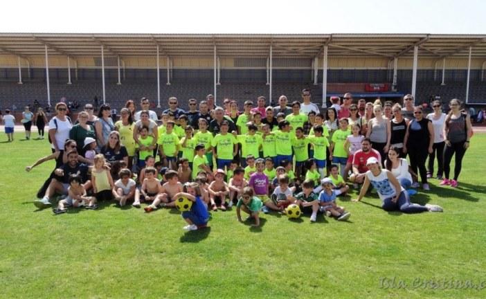 Juegos y diversión en la clausura de la Academia de Fútbol Base Isla Cristina