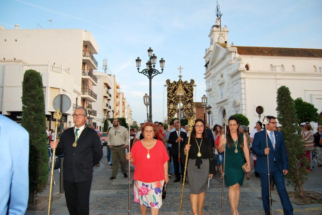 Procesión y Traslado del Simpecado de la hermandad del Rocío isleña hasta su carreta