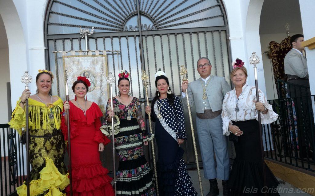 La Hermandad del Rocío de Isla Cristina en la ofrenda de flores a la Virgen de la Bella de Lepe