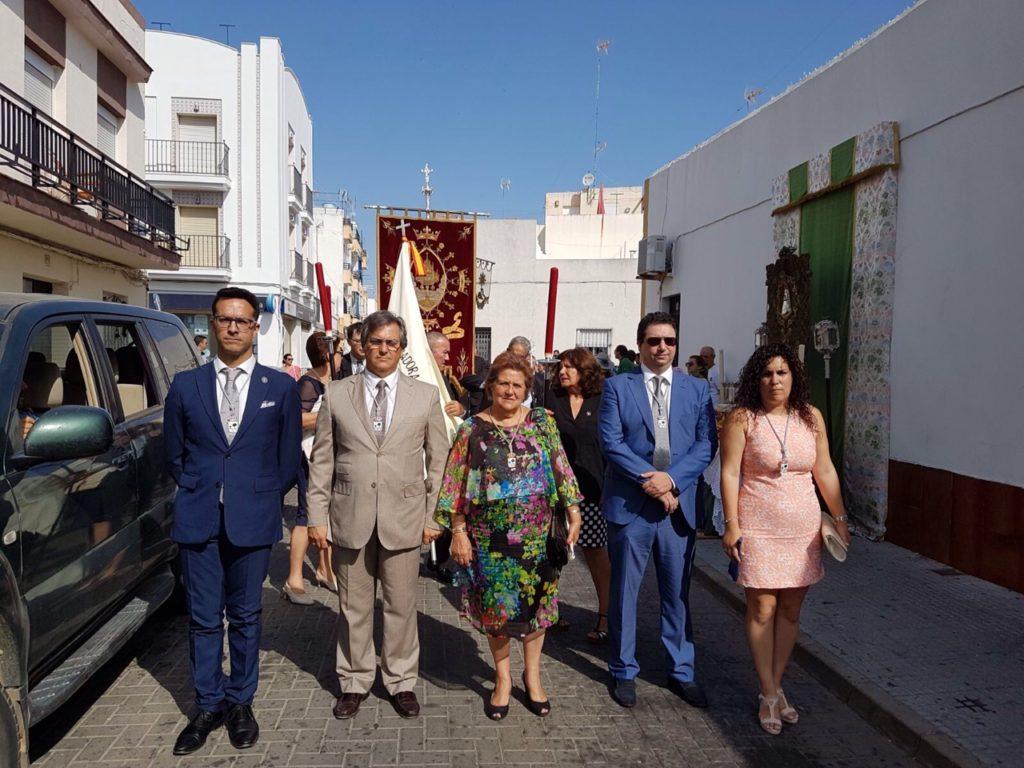 El calor no impidió una multitudinaria procesión del Corpus en Isla Cristina