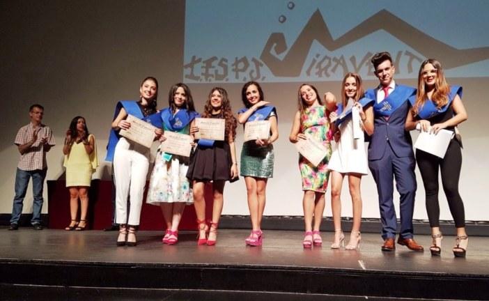Se gradúan los primeros escolares de Isla Cristina