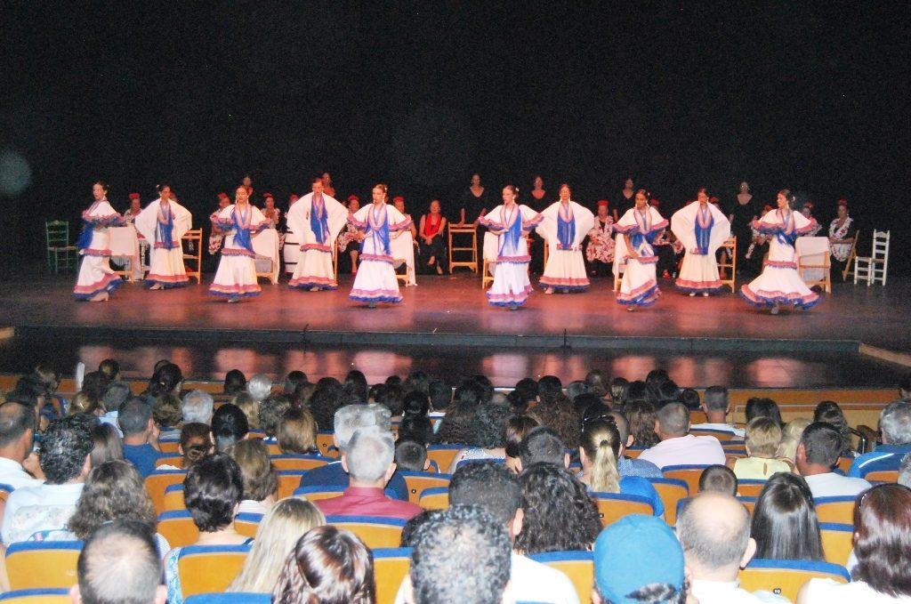 Se clausuran en Isla Cristina las Escuelas Municipales de Baile con sendas galas