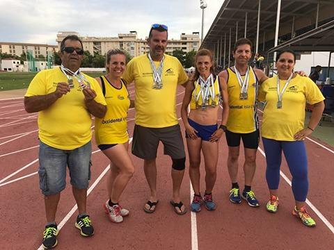 El C.A. Isla Cristina Asalta el Medallero del Campeonato de Andalucía Veteranos