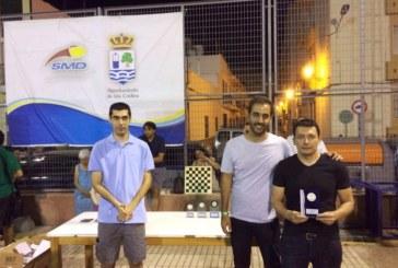 Voleibol y ajedrez en Isla Cristina durante el fin de semana