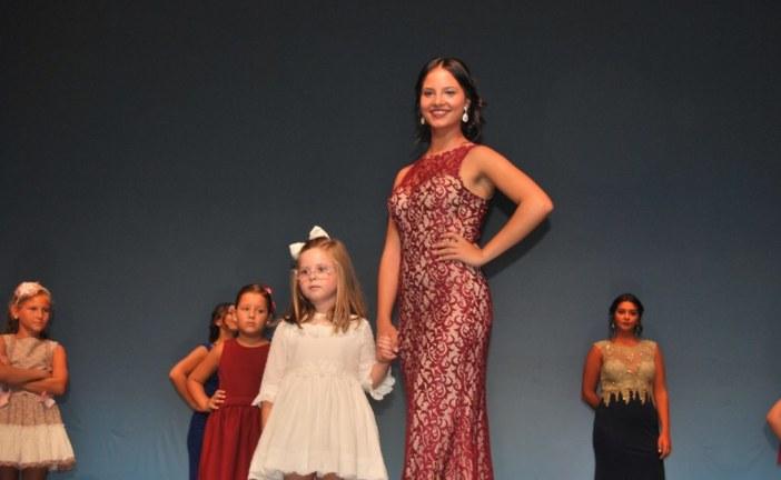 Alejandra Contreras y Ana María Casado, Reinas de las Fiestas en Honor a San Francisco de Asís