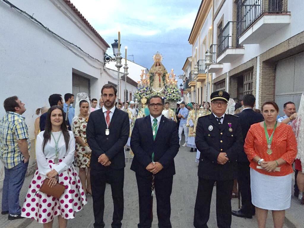 La procesión de la Virgen de la Esperanza pone el broche final a las fiestas de La Redondela 2017