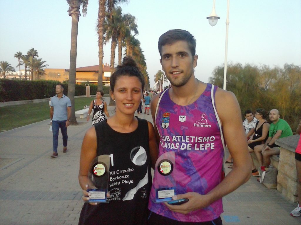 Manuel Reyes y Esther García ganan la Milla Mojada de Islantilla