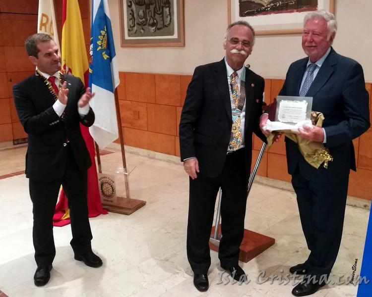 Homenaje a José Luis García Palacios del Rotary Club de Huelva tras más de 30 años como socio