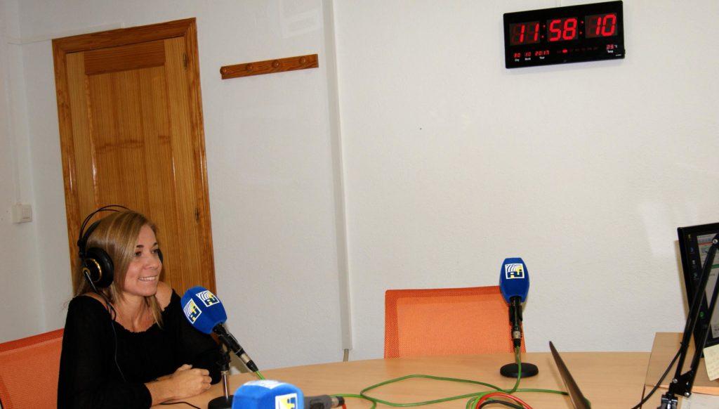 La Delegada de Mayores Laura López habló sobre el Aula de la Experiencia de Isla Cristina