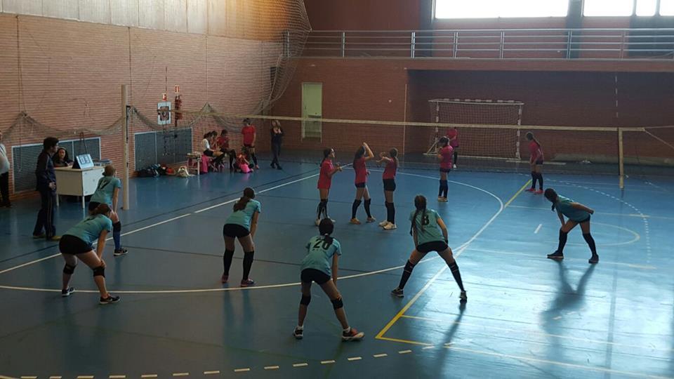 Buen partido de las cadetes del Voleibol Isla Cristina en Gibraleón